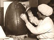 Confeiteiro frances fazendo ovo de chocolate gigante, ovo de páscoa